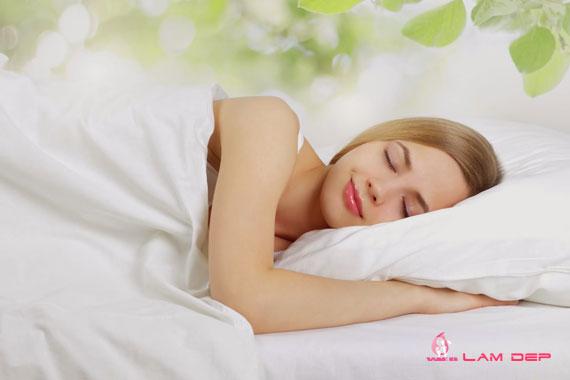ngủ ngon giúp chống nhăn da